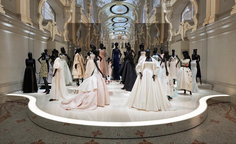 EstiloMarques_Exposicion-Dior-Museo-Artes-Decorativas-Paris-maniquies